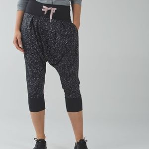 Lululemon Drop it Crop Size 8